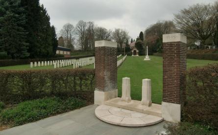 25-09-2017 | Marco Kroon benoemd tot ere-beschermheer Stichting War Cemetery Brunssum