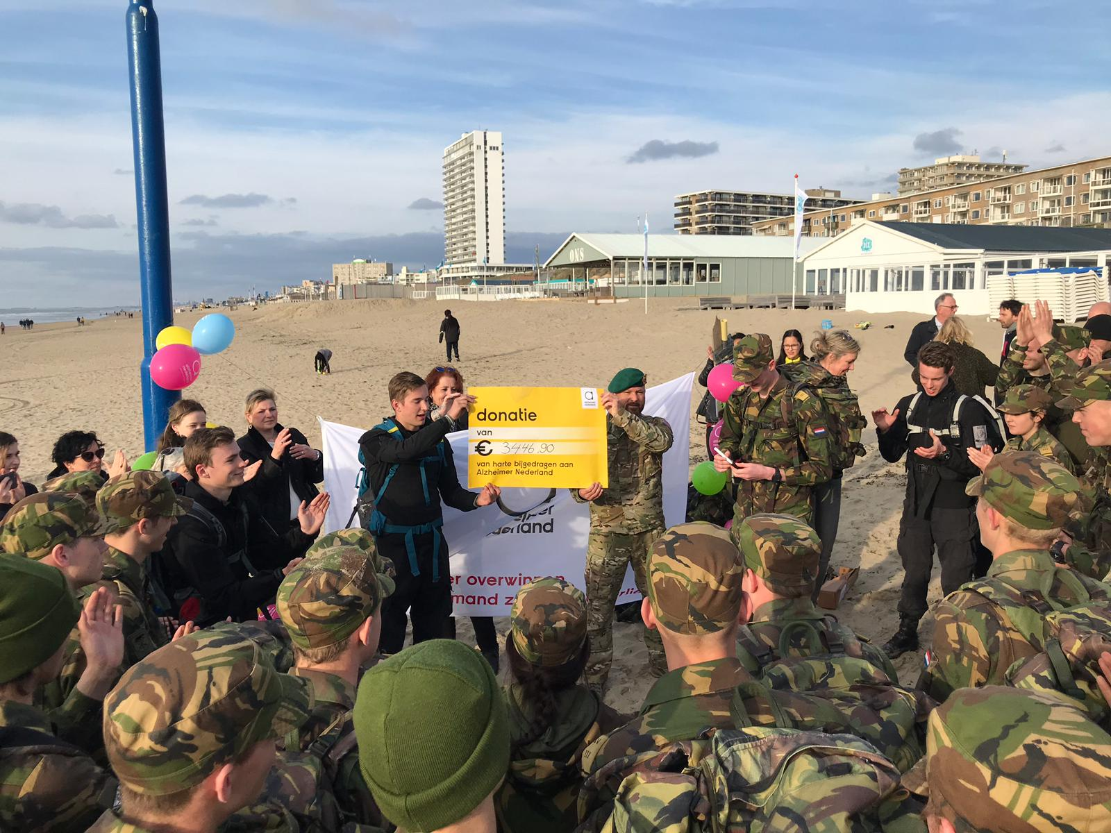 2019-04-05 | Marco Kroon spreekt VeVa leerlingen na goed doel mars toe